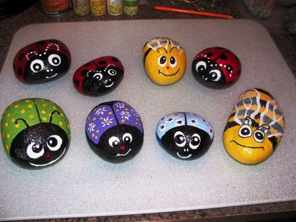 rock painting ideas for beginners Bug Stone