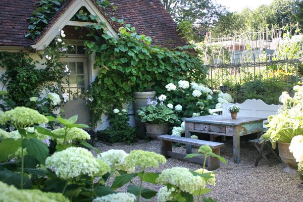 Country Cottage Garden