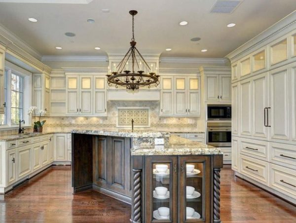 Crown Molding kitchen
