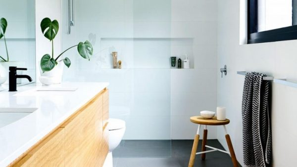bathroom decorating ideas on a budget