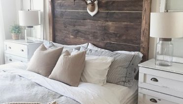 farmhouse bedroom hedboard