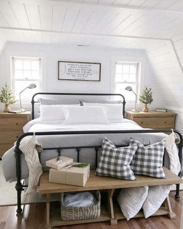 white ambience farmhouse bedroom ideas